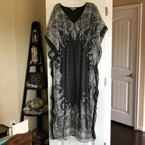 2X flowy caftan dress with ruched waist